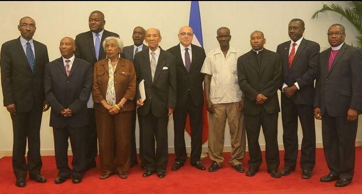 la commission consultative composée de 11 membres